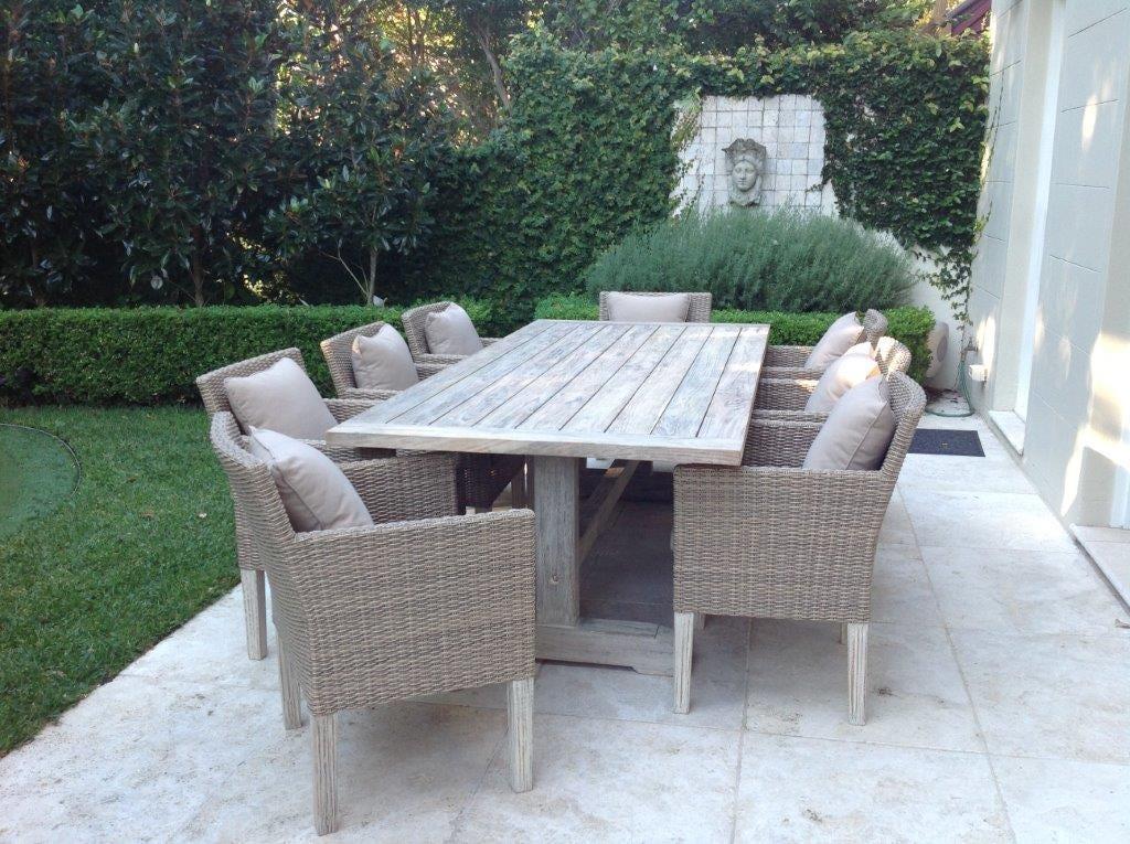 Greywash teak for White outdoor setting